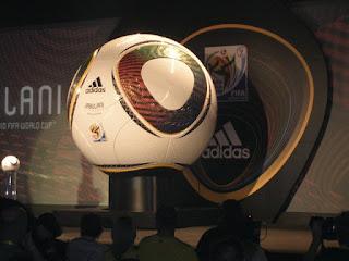 bola de futebol gigante