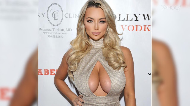 lindsey-pelas-model-advertise-sexy-pic