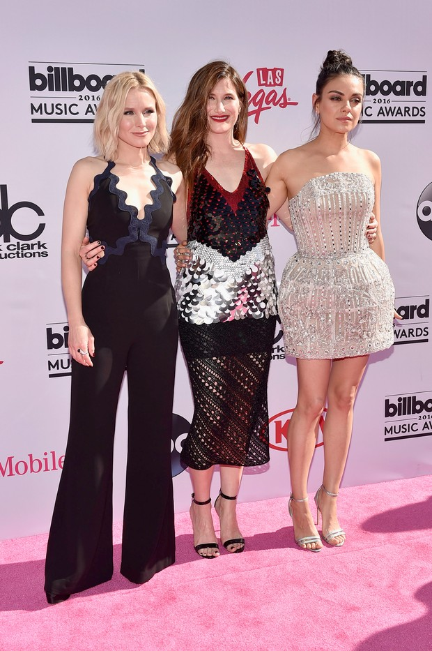 Billboard Music Awards 2016: the celebrities outfits at red carpet