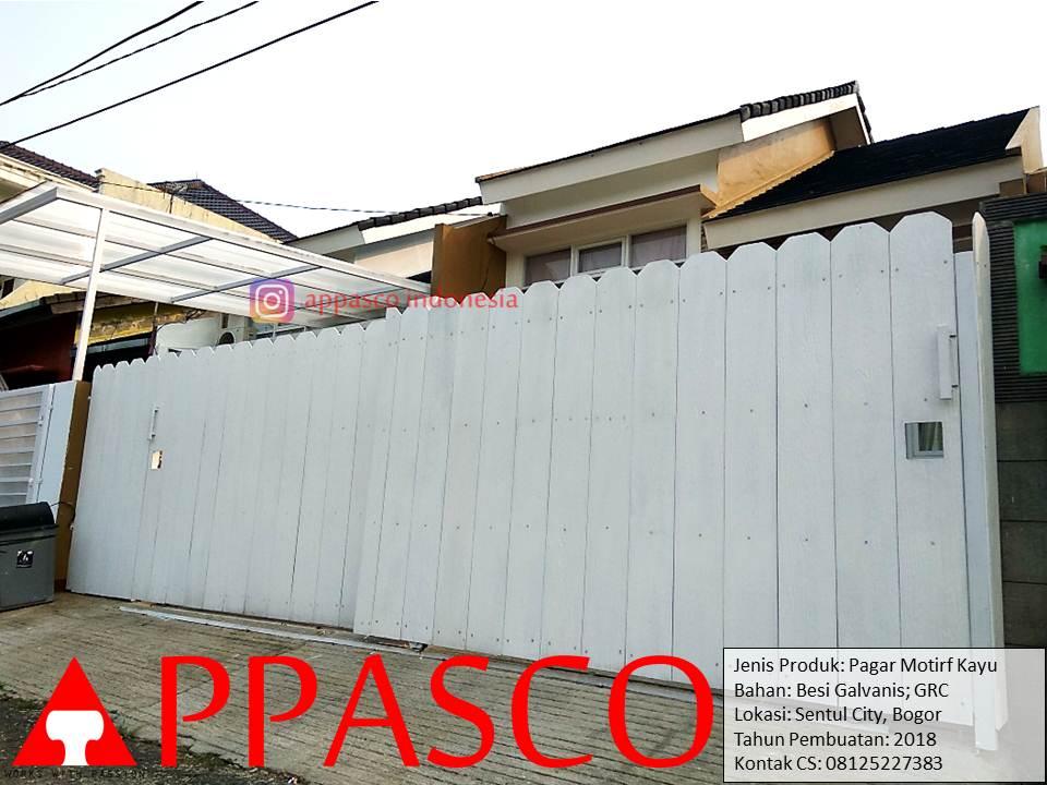 Pagar Unik Klasik Minimalis Motif Kayu di Sentul City Bogor