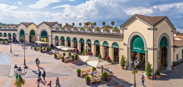 Outlet para compras em Serravalle