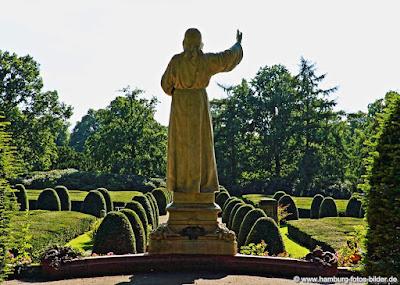Hamburg Ohlsdorfer Friedhof Statue