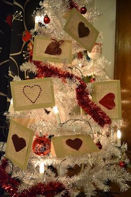 https://tavaroidentaikamaailma.blogspot.fi/2015/11/neulojan-joulukortit.html