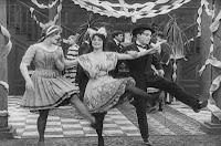 "Кадр из фильма Чарли Чаплина ""Танго-путаница"" (1914) - 1"