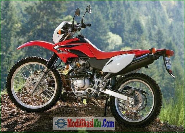 Mesin Dimodip Jadi Lebih Bertenaga - Konsep Gaya Modifikasi Honda Win 100 Klasik Jadi Motor Trail Modern Supermoto