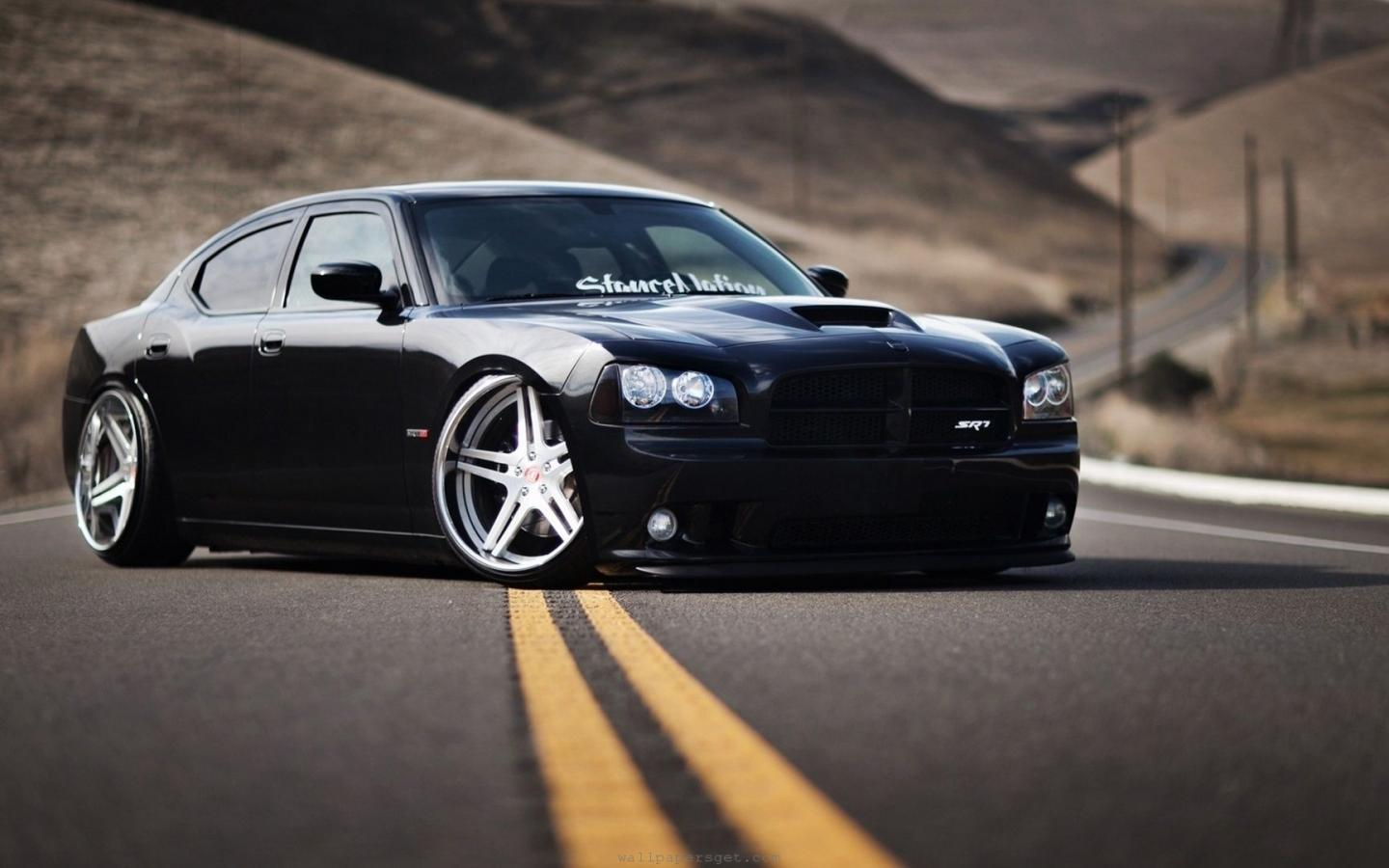 https://4.bp.blogspot.com/-Yj5hcbrINc4/UPh-VU0Pe-I/AAAAAAAAPM0/Lb5XN0KVmtk/s1600/dodge-charger-srt8-stance-nation-tuning-united-states-coupe-modified-car-900x1440.jpg