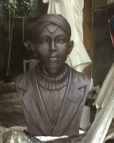 Patung dada Jenderal Sudirman terbuat dari fiber