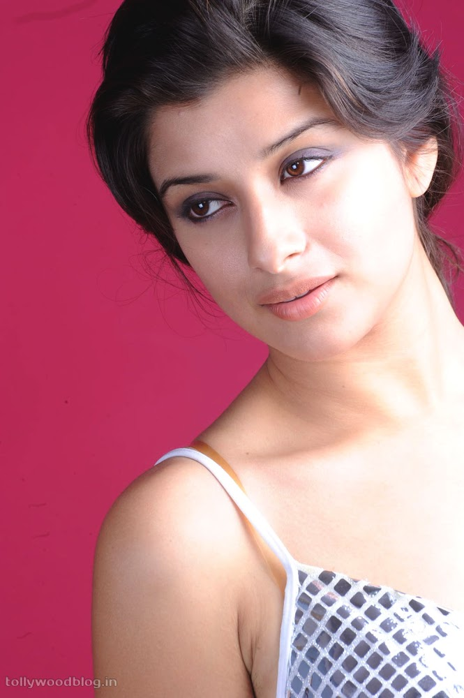 Madhurima Hot Photo Shoot Picture - 10