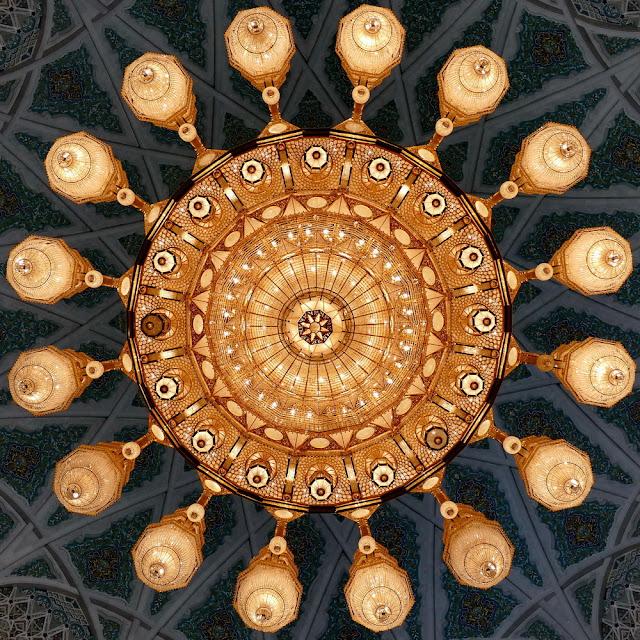 leuchter, kronleuchter, lüster, lampen, Swarovski, Kristall, sultan, Qabus, Moschee, Muscat, Oman