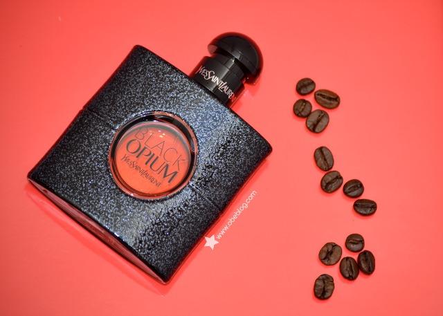 Black_Opium_el café_floral_de_YSL_ObeBlog_Edie_Campbell_01
