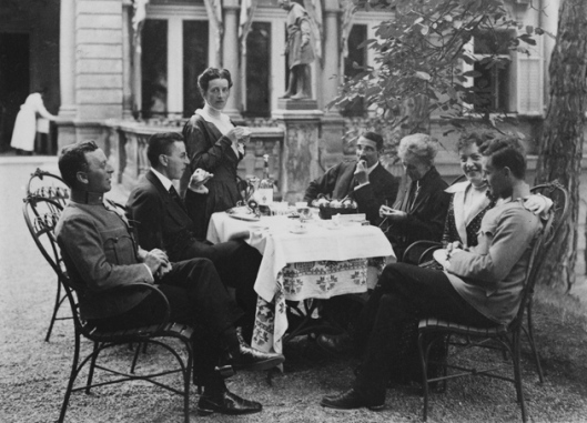 The Wittgenstein Family in Vienna, 1917: From left, siblings Kurt, Paul, and Hermine Wittgenstein; their brother-in-law, Max Salzer; their mother, Leopoldine Wittgenstein; Helene Wittgenstein Salzer; and Ludwig Wittgenstein.