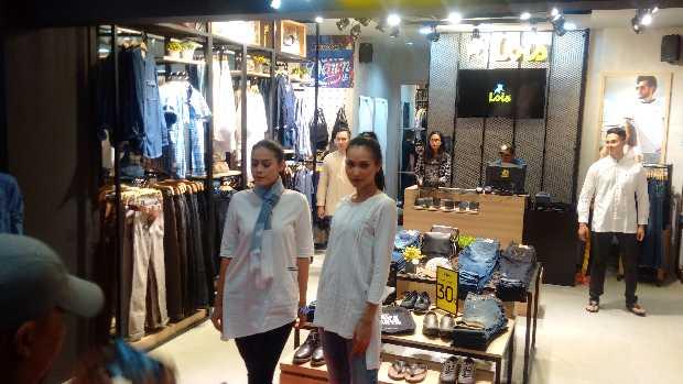 Reopening Lois Jeans, Free Totebag Denim di Lois Artshow