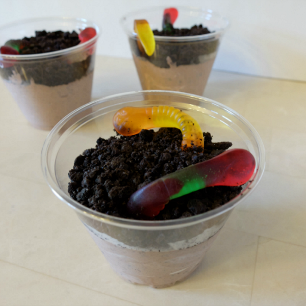 Sweet Turtle Soup - Summer Bucket List: Make Dirt Pudding