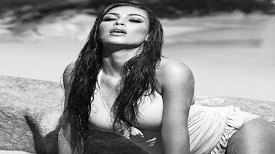 Kim Kardashian leaked naked body selfie viral video