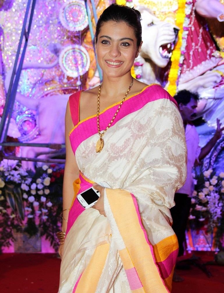 Bollywood Actress Kajol Photos In Traditional White Saree At Durga Puja Celebrations