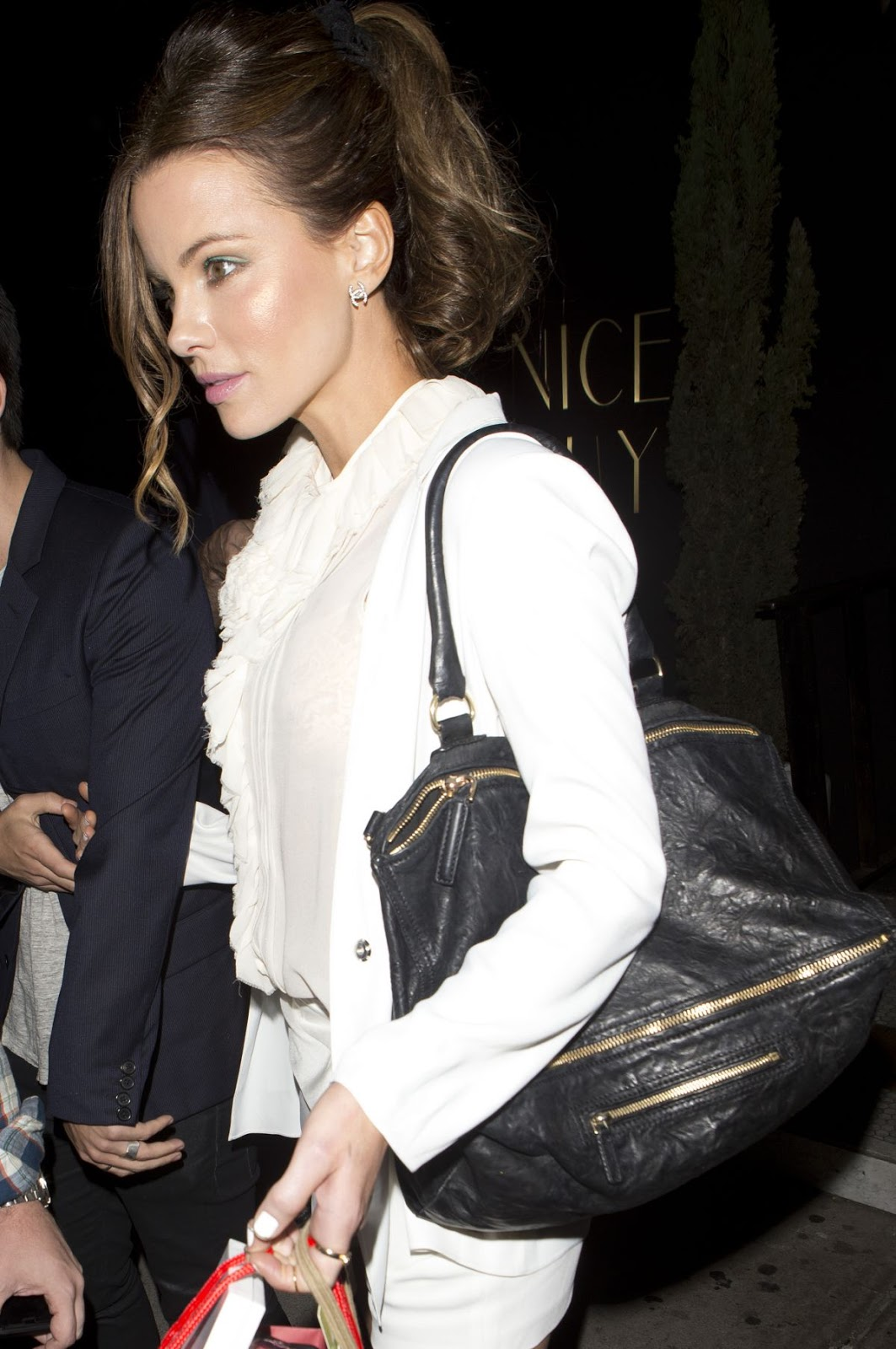 Kate Beckinsale Leaves The Nice Guy In West Hollywood