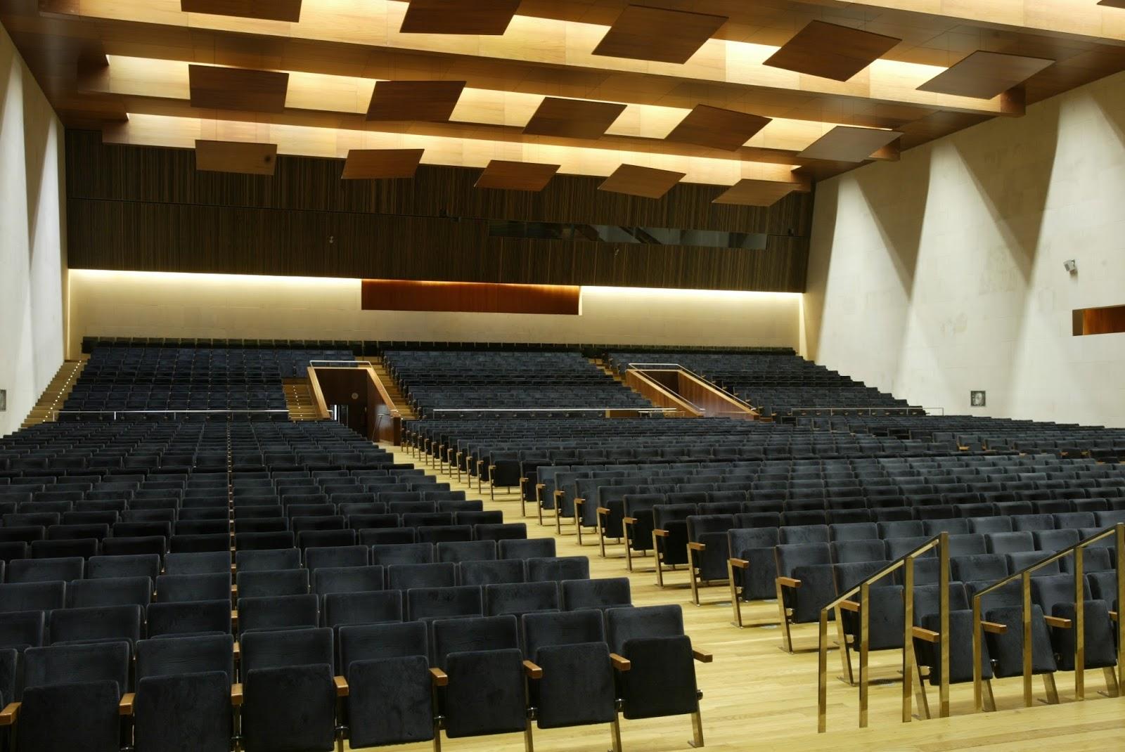 Santiago de compostela palacio de congresos y for Sala 0 palacio de la prensa