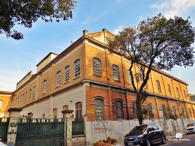 Vista ampla da fachada e lateral da Antiga tecelagem das Industrias Francesco Matarazzo - Brás - São Paulo