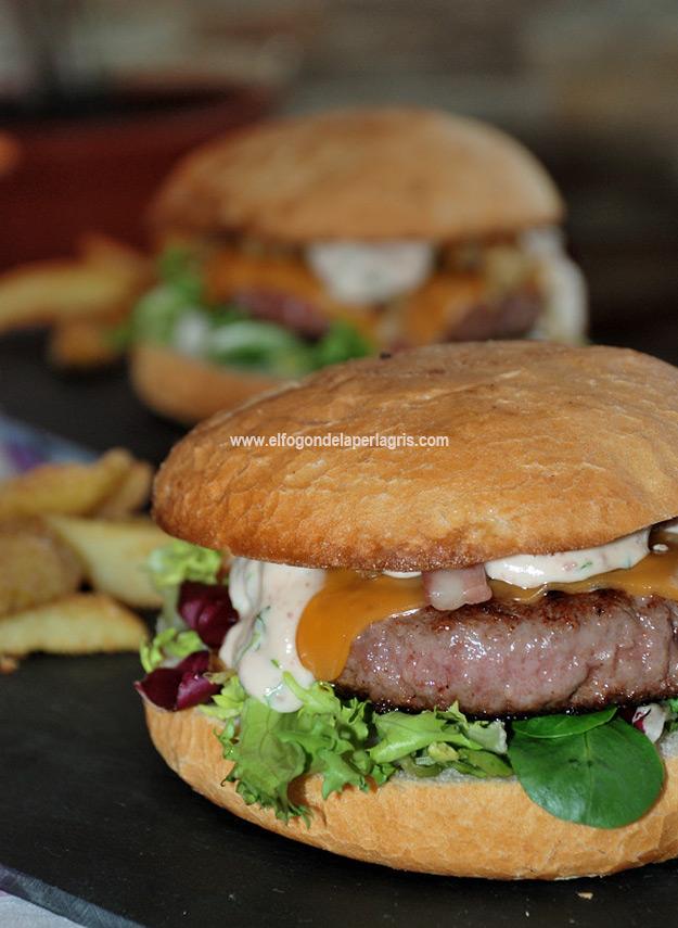 Burger Angus gourmet con salsa ibérica