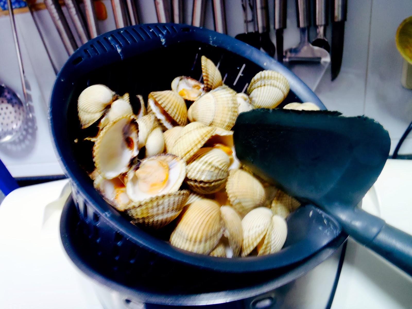 Bienvenidos a este revortillo berberechos al vapor en - Como cocinar berberechos ...