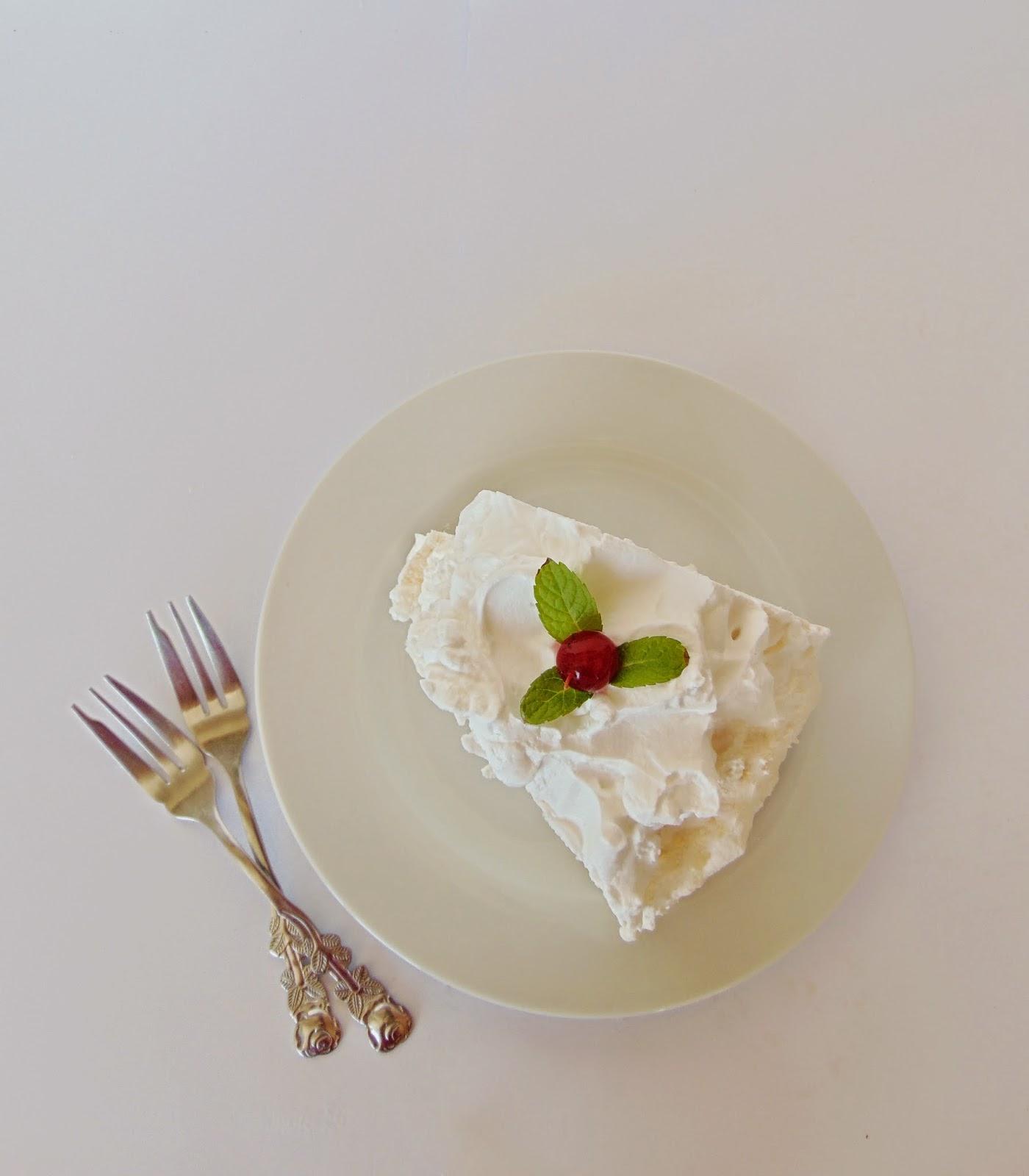 Coronita Pavlova Tort de bezea cu frisca 3