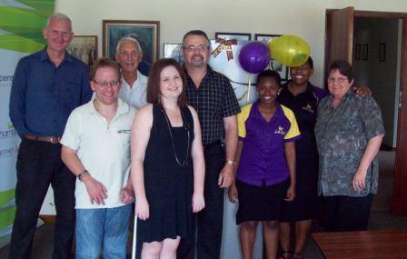 Hollywoodbets Sgt Peppers (Port Elizabeth) team with the staff and patients of the Cerebral Palsy Association