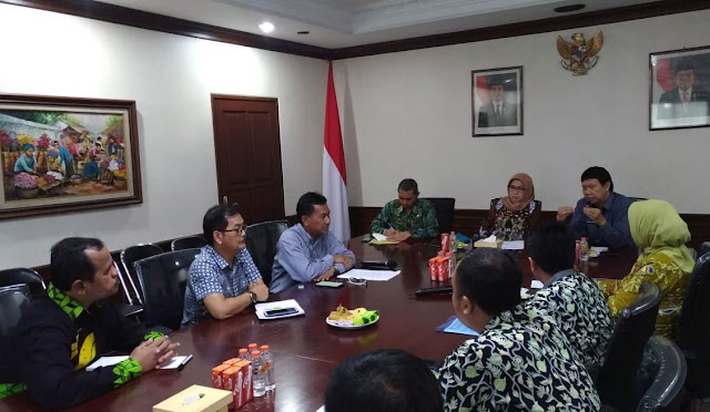 Direktur Politeknik Negeri Malang dan Jajaran AKNL menemui Indah