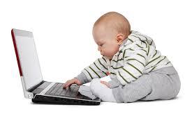Umur Berapa Bayi Boleh Duduk Sendiri?