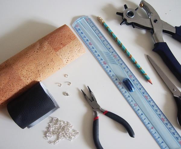 DIY : collier liège et simili-cuir
