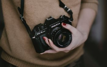 Wallpaper: Yashica FX-3 in the girls hand