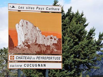 cartel de carretera castillo de Peyrepertuse
