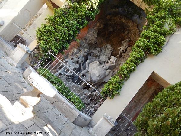 Castello del Catajo e la sua statua