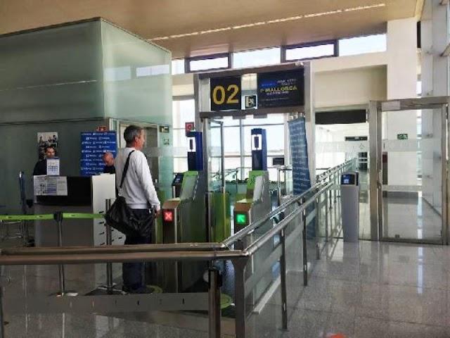 Aena prueba el sistema de reconocimiento facial en el proceso de embarque en el Aeropuerto de Menorca