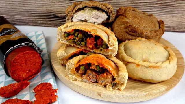 Panades de carne y sobrasada
