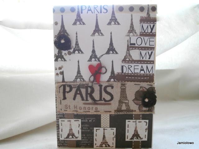 kartka z Paryżem w tle
