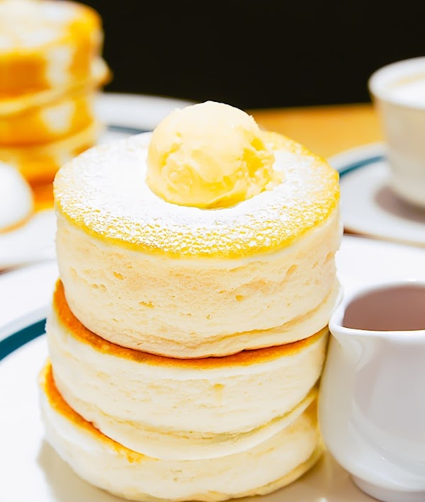 JAPANESE SOUFFLE PANCAKES FOR BREAKFAST