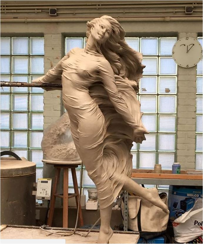 Sculpting Girl Beauty