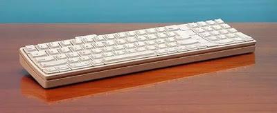 انواع لوحة المفاتيح الحاسوب أنواع لوحة المفاتيح العربية للكبيوتر - لوحة مفاتيح ADB  Apple Desktop Bus