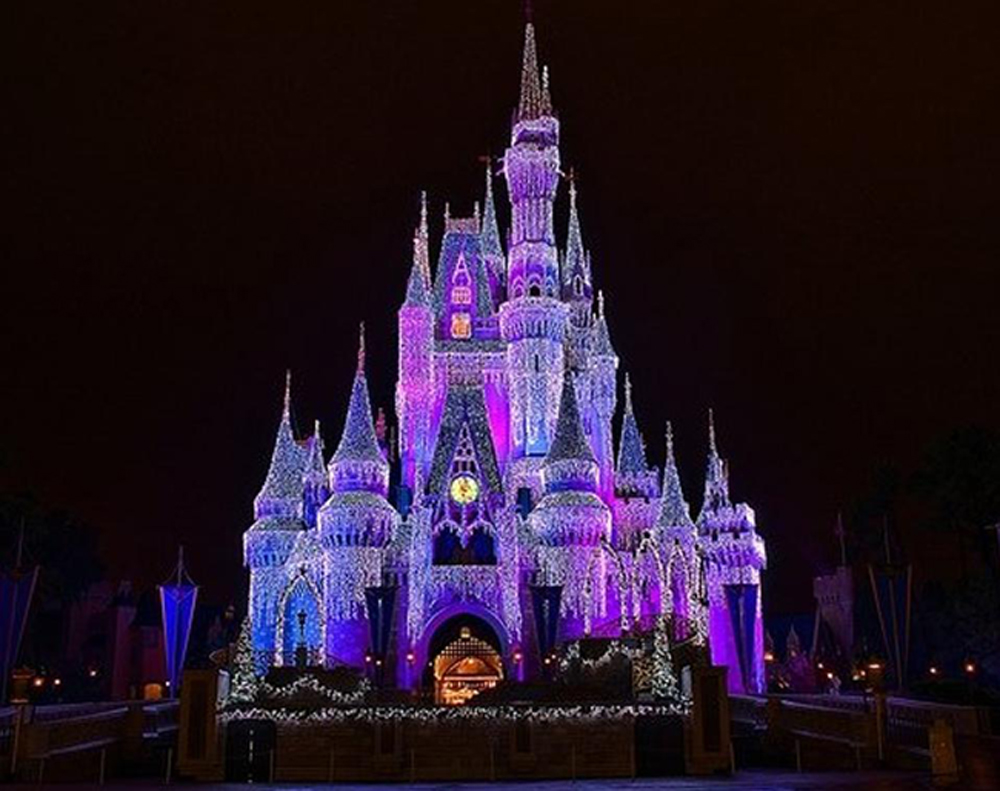 4 reasons to go to disney at christmas time - Disney During Christmas