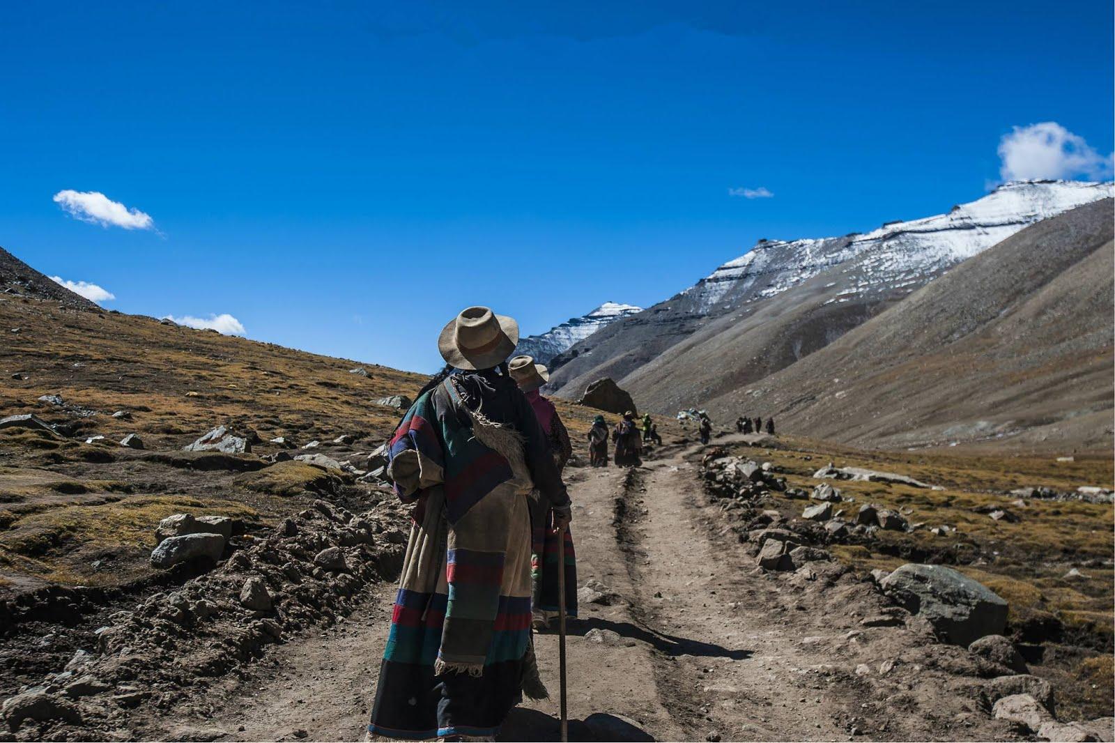 Trek from Darchen to Kailash.