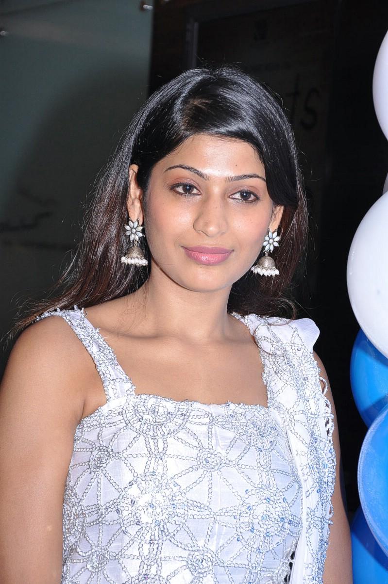 Free Actress Photos: sex actress vijayalakshmi photos ...