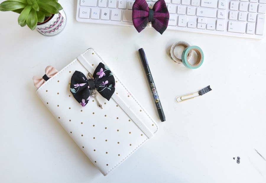planner bow clip