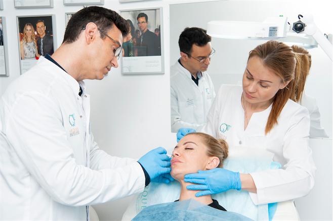 Tratamiento-rejuvenecimiento-facial-de-las-celebrities