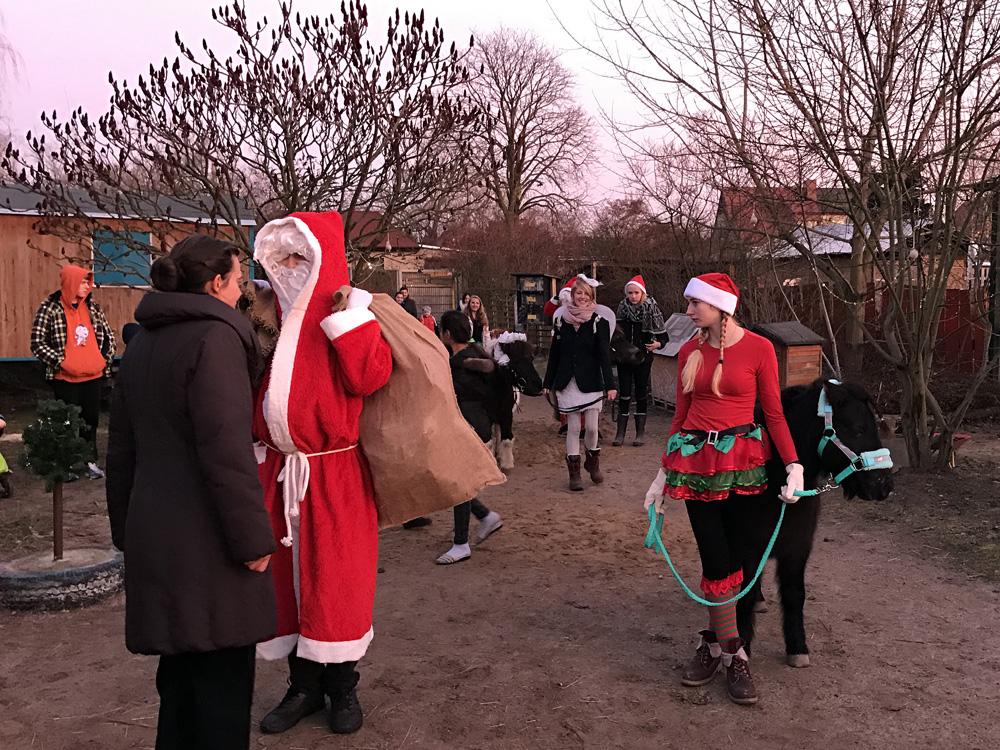 Unterstützen Sie den Weihnachtsmann: Jährliche Geschenk-Spenden ...