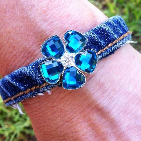 bijuterias feitas de tecido