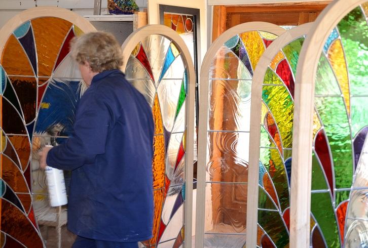 vitraux d'exposition verre de couleur et plomb