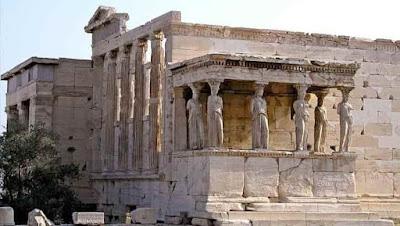 Ερέχθειο: Η «Σκοτεινή» Ιστορία «Πίσω» από το Λαμπερό Μνημείο