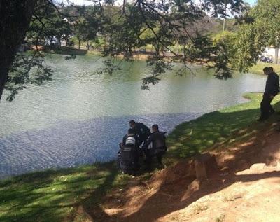 Marginal pula na lagoa da Pampulha para tentar fugir de GCMs de BH (MG)