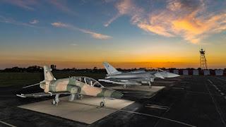 Pesawat Typhoon dan Hawk