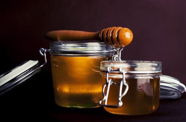 Cara menghilangkan jerawat dengan tomat dan madu
